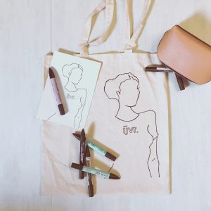 IJVR fashion totebag met illustratie, een etui en markers